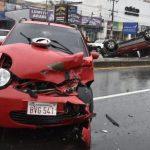 Unfall auf regennasser Transchaco
