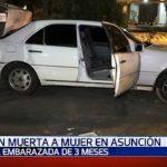 Tote Frau im Inneren eines Fahrzeuges gefunden