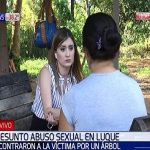 Frau an Baum gebunden und sexuell missbraucht
