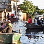 Hochwasser lässt Asunción wie Venedig aufleben