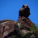 Berge, Wasserfälle, Steinkreise und Dinosaurierknochen