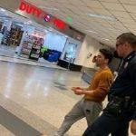 Dramatischer Landeanflug: Passagier will Flugzeugtür öffnen