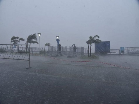 Üppige Niederschläge und Sturm