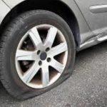 Helfer bei Reifenpanne entpuppen sich als Kriminelle