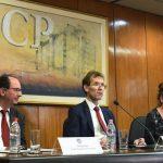 IWF Vertreter kritisiert die Verschwendung öffentlicher Gelder