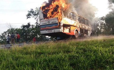 Rücksichtslos überholt: 2 Tote bei schwerem Verkehrsunfall