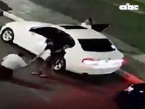 Einem Tourist das Auto gestohlen