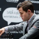 Schachweltmeister versteigert seinen Preis, um die Ausbildung in dem Sektor zu fördern