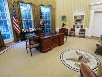 Oval Office: Mario Abdo trifft Donald Trump zu bilateralen Gesprächen