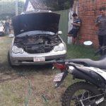 Auto eines Deutschen mit Kraftstoff überschüttet und angezündet