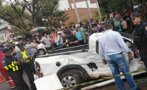 Eine Tote und zwei Schwerverletzte nach Frontalzusammenstoß