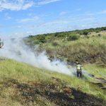 Feuerwehr ohne Ausrüstung: Polizei muss Brand bekämpfen