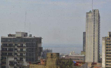 Rauch über der Stadt