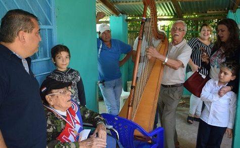 Eine Serenade zum 102. Geburtstag
