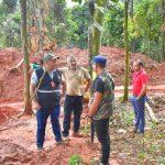 Illegale Goldmine: Beamte des Umweltministeriums mit Waffen bedroht