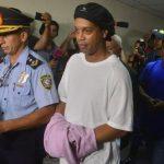 Ronaldinho in Handschellen