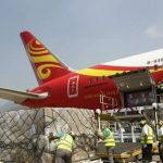 Medizinische Ausrüstung: Das Flugzeug mit der entscheidenden Fracht