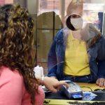 Ansteckung mit Covid-19 verhindern: Plastikgeld statt Bargeld