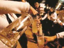 Viel Alkohol: Genesene vom Coronavirus erhalten einen Rückschlag