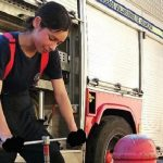 Feuerwehrfrau gewinnt Schönheitswettbewerb