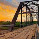 Feuerwehr schafft es historische Eisenbahnbrücke zu retten