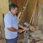 Holzschnitzer: Ein Meister des Kunsthandwerks