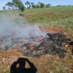 Sarg verbrannt, um Platz für eine Beerdigung zu schaffen