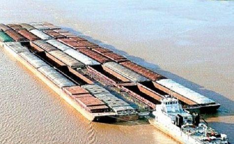 Schubverband kollidiert mit Boot: Halben Torso geborgen