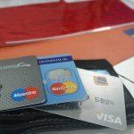 Whiskey in großen Mengen mit gefälschten Kreditkarten gekauft