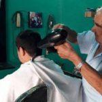 92 Jahre und noch mit Leidenschaft Friseur