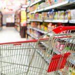 Verkäufe von Bekleidung und in Supermärkten brechen stark ein