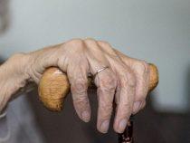 76-Jährige stirbt unter seltsamen Umständen