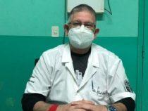 Arzt klärt über Zweifel zum Thema Covid-19, Influenza und Grippe auf