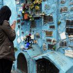 Covid-19-Angehörige suchen Zuflucht bei einem populären Volksheiligen