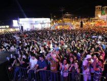 Ohne Maske und ohne 3G-Regel: Mehr als 20.000 Besucher auf einem Festival